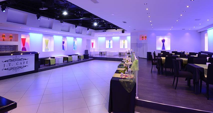 Sala eventi ristorante piscina e discoteca: un locale